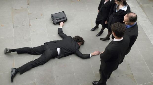 Emprendedor-tirado-en-suelo-619x346